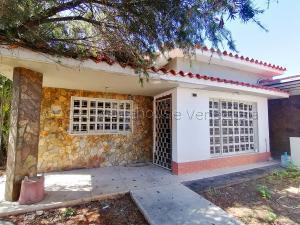 Casa En Ventaen Barquisimeto, Parroquia Catedral, Venezuela, VE RAH: 21-18810