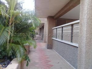 Apartamento En Ventaen Maracaibo, El Milagro, Venezuela, VE RAH: 21-18813