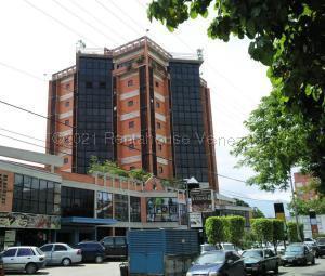 Local Comercial En Alquileren Maracay, Avenida Mariño, Venezuela, VE RAH: 21-18820