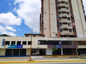 Apartamento En Ventaen Valencia, Avenida Bolivar Norte, Venezuela, VE RAH: 21-18828