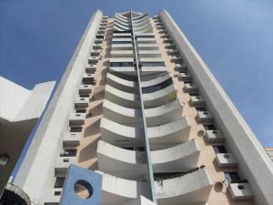Apartamento En Ventaen Valencia, Valle Blanco, Venezuela, VE RAH: 21-18860
