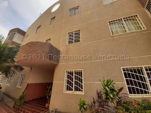 Apartamento En Ventaen Maracaibo, Avenida Goajira, Venezuela, VE RAH: 21-18871