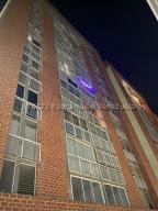 Apartamento En Ventaen Caracas, El Encantado, Venezuela, VE RAH: 21-21384
