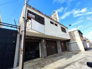 Local Comercial En Ventaen Maracay, Avenida Páez, Venezuela, VE RAH: 21-18978