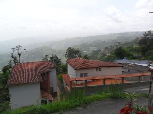 Casa En Ventaen San Diego De Los Altos, Parcelamiento El Prado, Venezuela, VE RAH: 21-18927
