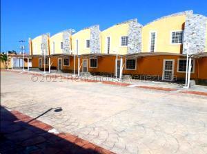Townhouse En Ventaen Chichiriviche, Flamingo, Venezuela, VE RAH: 21-18959