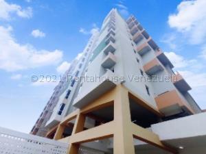 Apartamento En Ventaen Maracay, Zona Centro, Venezuela, VE RAH: 21-19286