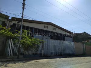 Galpon - Deposito En Ventaen Maracay, Zona Industrial San Vicente, Venezuela, VE RAH: 21-19070