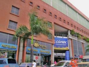 Local Comercial En Ventaen Caracas, Las Acacias, Venezuela, VE RAH: 21-19023