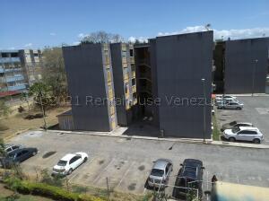 Apartamento En Ventaen Cabudare, La Mora, Venezuela, VE RAH: 21-19025