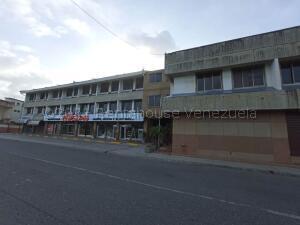 Edificio En Ventaen Higuerote, Higuerote, Venezuela, VE RAH: 21-19094