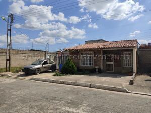 Casa En Ventaen Intercomunal Maracay-Turmero, Intercomunal Turmero Maracay, Venezuela, VE RAH: 21-21346