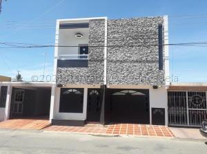 Casa En Ventaen Cabimas, Churuguara, Venezuela, VE RAH: 21-19188