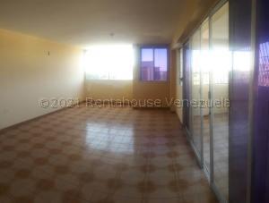 Apartamento En Ventaen Coro, Sector San Bosco, Venezuela, VE RAH: 21-19103