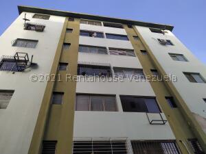Apartamento En Ventaen Municipio Naguanagua, Casco Central, Venezuela, VE RAH: 21-19107