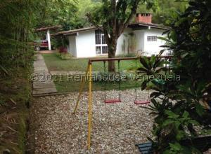 Casa En Ventaen Caracas, Alto Hatillo, Venezuela, VE RAH: 21-19186