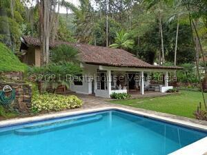 Casa En Ventaen Maracay, El Castaño (Zona Privada), Venezuela, VE RAH: 21-19198