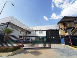 Galpon - Deposito En Alquileren Santa Cruz De Aragua, Zona Industrial San Crispin, Venezuela, VE RAH: 21-19197