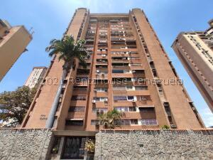 Apartamento En Ventaen Maracay, Urbanizacion El Centro, Venezuela, VE RAH: 21-19210