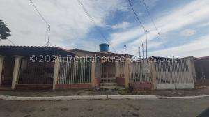 Casa En Ventaen Cabudare, Valle Hondo, Venezuela, VE RAH: 21-19612