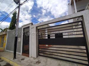 Casa En Ventaen Maracay, La Morita, Venezuela, VE RAH: 21-19275