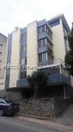 Apartamento En Ventaen Caracas, Cumbres De Curumo, Venezuela, VE RAH: 21-19292