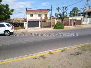 Casa En Ventaen Maracaibo, Avenida Milagro Norte, Venezuela, VE RAH: 21-19181