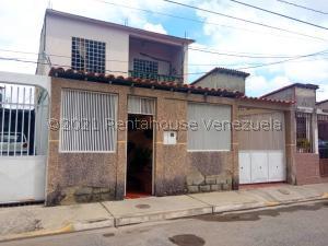 Casa En Ventaen Barquisimeto, Parroquia Santa Rosa, Venezuela, VE RAH: 21-19300
