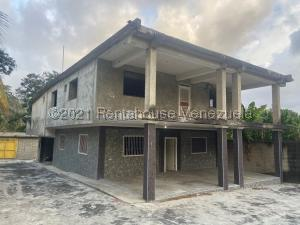 Casa En Ventaen Puerto Cabello, Sector Santa Tecla, Venezuela, VE RAH: 21-22542