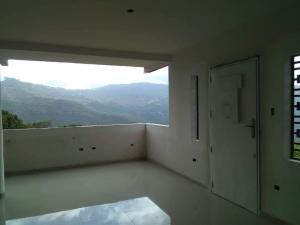 Casa En Ventaen Caracas, Caicaguana, Venezuela, VE RAH: 21-19368