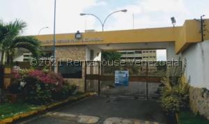 Apartamento En Ventaen Higuerote, Agua Sal, Venezuela, VE RAH: 21-19373