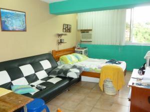 Apartamento En Ventaen Caracas, Los Chaguaramos, Venezuela, VE RAH: 21-19379