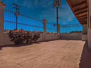 Casa En Ventaen Punto Fijo, Puerta Maraven, Venezuela, VE RAH: 21-7859
