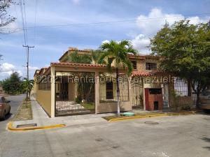 Casa En Ventaen Guatire, La Rosa, Venezuela, VE RAH: 21-19372