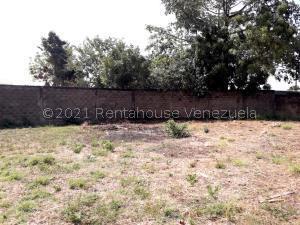 Terreno En Ventaen Ciudad Ojeda, Barrio Libertad, Venezuela, VE RAH: 21-19923
