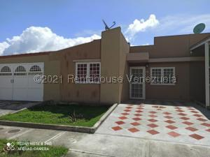 Casa En Ventaen Guatire, Canaima Uno, Venezuela, VE RAH: 21-21065