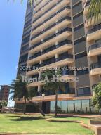 Apartamento En Alquileren Maracaibo, El Milagro, Venezuela, VE RAH: 21-19497