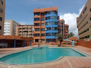 Apartamento En Ventaen Tucacas, Tucacas, Venezuela, VE RAH: 21-13659