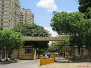 Apartamento En Ventaen Guarenas, Guarenas, Venezuela, VE RAH: 21-21225