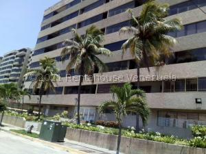 Apartamento En Ventaen Catia La Mar, Playa Grande, Venezuela, VE RAH: 21-19625