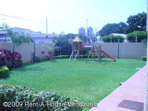 Apartamento En Alquileren Maracaibo, Avenida Bella Vista, Venezuela, VE RAH: 21-19648