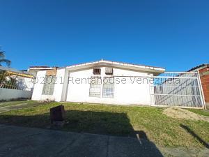 Casa En Ventaen Valencia, Flor Amarillo, Venezuela, VE RAH: 21-21380