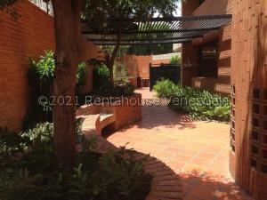 Apartamento En Ventaen Maracaibo, La Lago, Venezuela, VE RAH: 21-19715