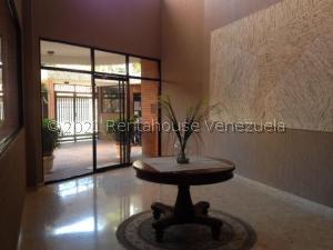 Apartamento En Alquileren Maracaibo, La Lago, Venezuela, VE RAH: 21-19716
