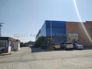 Local Comercial En Ventaen Valencia, Zona Industrial, Venezuela, VE RAH: 21-19746