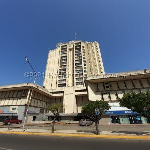 Oficina En Ventaen Maracaibo, Calle 72, Venezuela, VE RAH: 21-19808