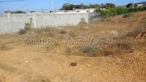 Terreno En Ventaen Cabudare, Parroquia Cabudare, Venezuela, VE RAH: 21-19819