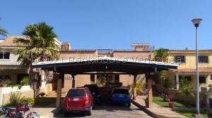 Casa En Ventaen Lecheria, Casas Bote C, Venezuela, VE RAH: 21-20485