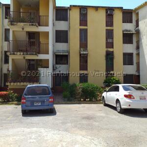 Apartamento En Ventaen Palo Negro, Los Naranjos, Venezuela, VE RAH: 21-19843
