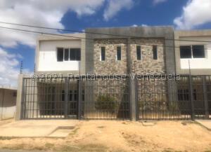 Townhouse En Ventaen Punto Fijo, Guanadito, Venezuela, VE RAH: 21-19868
